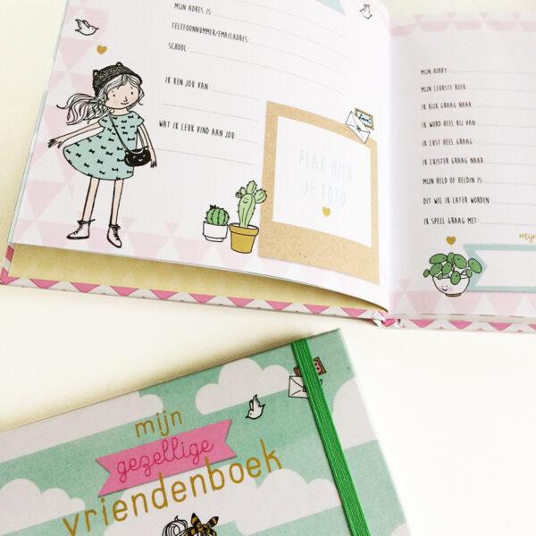 meisjes gezellig vriendenboekje